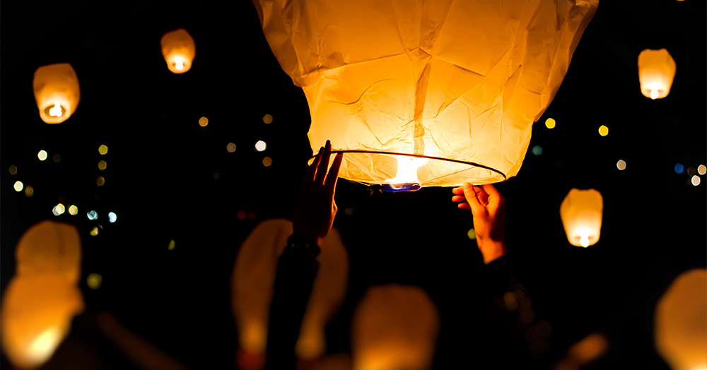 unique christmas traditions powell river argentina globos lanterns